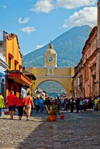 La Antigua, Gwatemala; (City Clock Magazine (flickr.com) | CC BY-NC-SA 2.0)